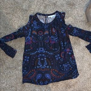 Blouse exposed shoulders - never worn